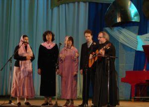 """Ансамбль на Втором  фестивале """"Величай, душе моя...""""  в Краснодаре  (май 2006г.)"""
