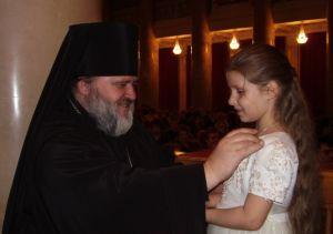 Благословение архимандрита Назария маленькой  Ксюше
